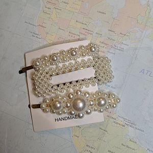 Set of 3 hair clips with white pearls